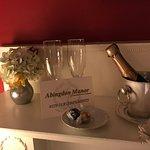 Zdjęcie The Dining Room at Abingdon Manor