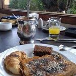 Desayuno en Doña María, restaurante dentro del hotel.