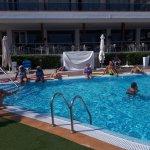Disfrutando del mejor hotel, donde el trato es familiar y la estancia genial.