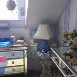 Photo de A Lady Winette Cottage Bed & Breakfast