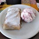Strudel com sorvete de framboesa (Sorvete Péssimo)