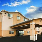 Photo de La Quinta Inn & Suites North Orem