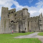 Easy walk to Rock of Cashel