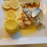 Panaché de la mer avec sauce beurre blanc et petits légumes