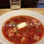 Tomato soup, borsch and lots of good bread. All very tasty.