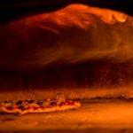 Nossa  pizza = forno a lenha