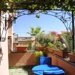 Terrasse suite junior 10, semi ombragée, très agréable, vue sur le jardin et la piscine