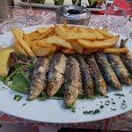 Sardines grillés, frites et salade, un régal!!!
