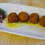 Crab Cakes w/ Remoulaude Sauce