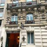 Photo de Hôtel Cécilia Paris Arc de Triomphe
