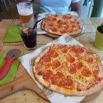 Foto de Johnny Dough's Wood-Fired Pizza