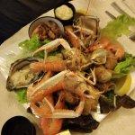 Entrée: assiette de fruits mer