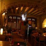 Restaurant acollidor, amb encant. Cuina catalana d'autor