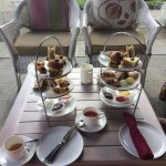 Great english high tea in the gardenroom