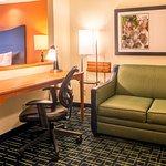 Photo de Fairfield Inn & Suites Canton