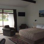 1 bedroom suite, queen and single in lounge, 2 singles in bedroom, kitchenette & bathroom