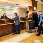 Photo de Holiday Inn Norfolk Airport