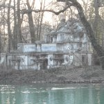 La abandonada fuente del Trianon
