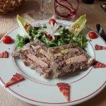 Terrine de jarret de porc au foie gras de canard.