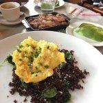 Foto de OAK Long Bar + Kitchen