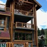 Photo de Banff Aspen Lodge