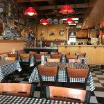 Foto de New Yorker Pizza & Restaurant