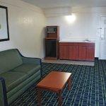 Foto de La Quinta Inn & Suites Tulsa Central