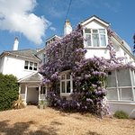 Photo of Fines Bayliwick House