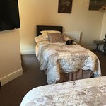 Beautiful hotel with wonderful friendly hosts, comfy beds clean rooms, quiet location yet minute