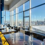 """Из панорамных окон ресторана """"Рыба"""" открывается потрясающий вид на акваторию Невы и Телебашню."""