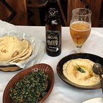 Taboule, hummus and flatbred + a Beer