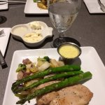 Grilled Chicken with Asparagus and Bearnaise Sauce