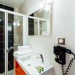 "Salle de bain chambre ""L'Oranger """