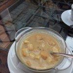 Суп- пюре из лесных грибов с гренками