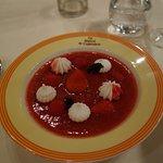 Présentations impeccables, desserts de fruits succulents.