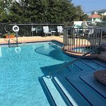 Beachside Inn was an amazing place to stay. Very clean, comfortable, and easy access to the beac