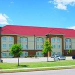 Photo de La Quinta Inn & Suites Huntsville Airport Madison