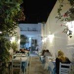Photo de Hotel Capetan Giorgantas
