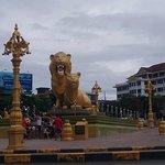 Golden Lion Foto