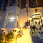 Dover Bed & Breakfast, town centre location for ensuite family, double, twin, superking, single