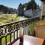 Vue depuis la terrasse du restaurant sur les remparts de Vannes