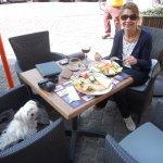 September 2017: pets friendly restaurant