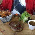la viande limousine et ses frites maison