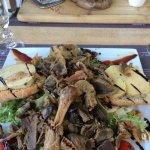 une salade en plat unique , un foie gras extraordinaire
