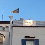 El hotel sant roc es independentista . Si eres español no reserves con esta gente salvo que quie