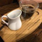 кофе (крепость напитка регулируется кипятком)