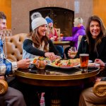 Après in the Cinnabar in Earl's Lodge is a great place to end your ski day.