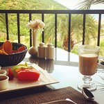 Delicious coffee and fresh fruit at the Montecristo restaurant