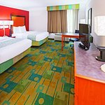 Photo of La Quinta Inn & Suites Houston Galleria Area