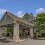 Photo of Holiday Inn & Suites Milwaukee Airport